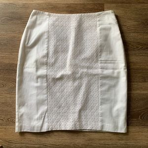 Apt 9 white skirt. Size 10. Cotton with lining.